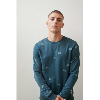 Kultivate sweater